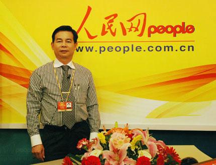 李兴浩建议 在公共场合普遍安装电视提升国民素质